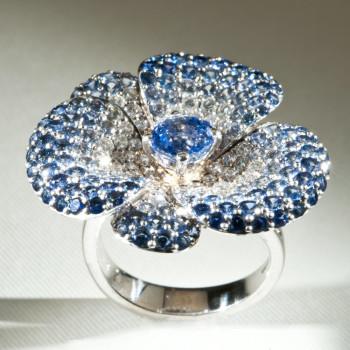 18ct W/G Blue Sapphire & Diamond Flower Ring