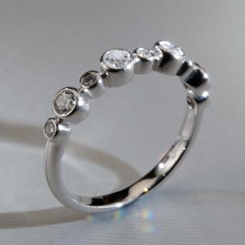 18ct W/G Brilliant Cut Diamond Bubble Ring