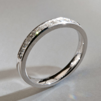 18ct W/G Princess Cut Diamond Eternity Ring