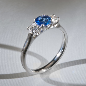 Platinum Blue Sapphire & Brilliant Cut Diamond 3/St Ring