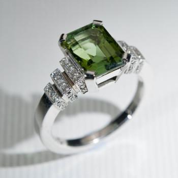 18ct W/G Green Tourmaline & Diamond Art Deco Style Ring