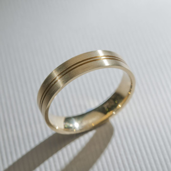 18ct Y/G Double Grooved Wedding Ring