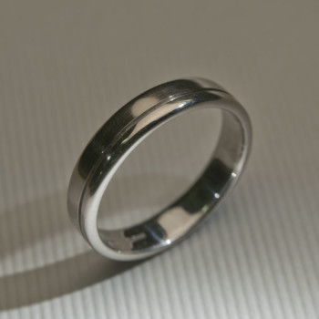 18ct W/G Grooved Wedding Ring