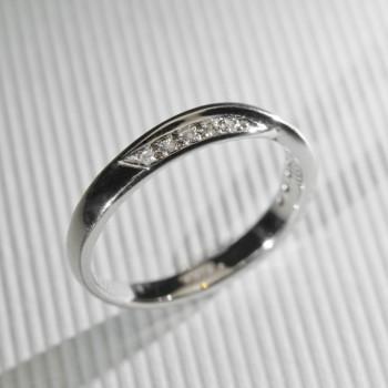 18ct W/G Diamond Set Cross Over Style Wedding Ring